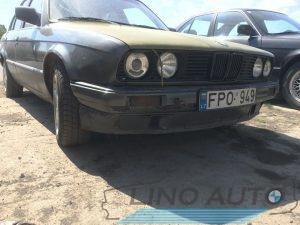BMW E30 318i dalimis