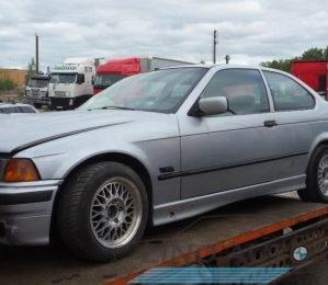BMW 318ti kompaktas dalimis